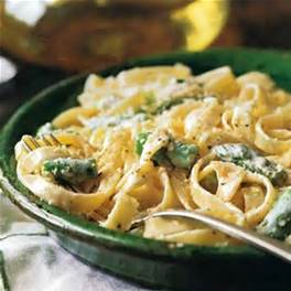 fettuccini and asparagus